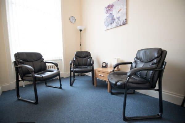 consultation-room-2-the-albany-centre-1-600x400